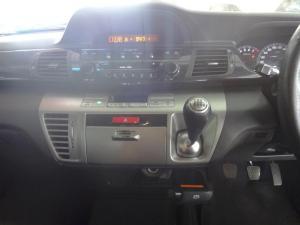 Honda FR-V 1.8i - Image 6