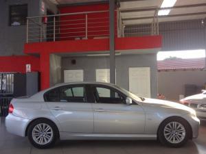 BMW 320i - Image 10