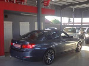 BMW 335i - Image 8