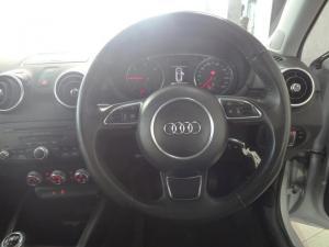 Audi A1 Sportback 1.6 TDiAmbition - Image 5