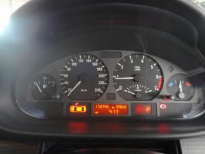 BMW 318i - Image 7