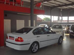 BMW 318i - Image 8