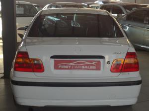 BMW 318i - Image 9