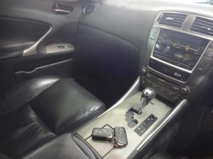 Lexus IS 250 automatic - Image 9