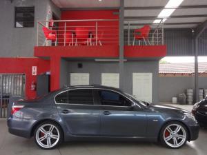 BMW 523i automatic - Image 10