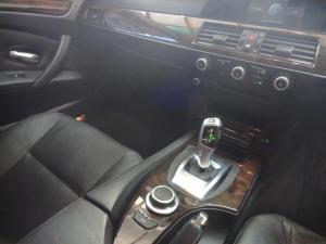 BMW 523i automatic - Image 7
