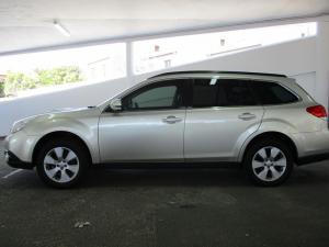 Subaru Outback 2.0D Premuim - Image 3