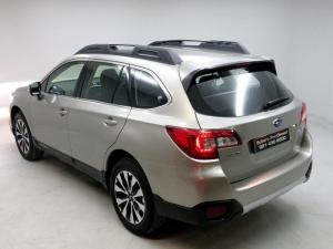 Subaru Outback 3.6 R - S CVT - Image 3