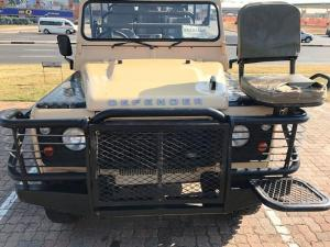 Land Rover Defender 110 2.2DS/C - Image 10