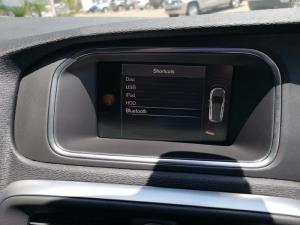 Volvo V40 D3 Momentum Geartronic - Image 11