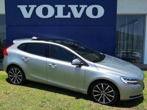 Volvo V40 D3 Momentum Geartronic - Image 1