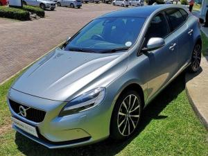 Volvo V40 D3 Momentum Geartronic - Image 4