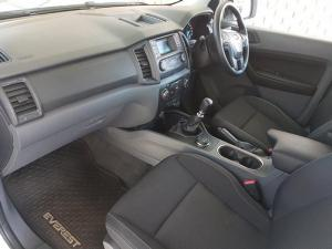 Ford Everest 2.2 TdciXLS 4X4 - Image 3