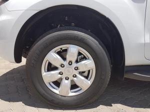 Ford Everest 2.2 TdciXLS 4X4 - Image 5