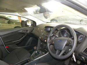 Ford Focus 1.0 Ecoboost Ambiente 5-Door - Image 8