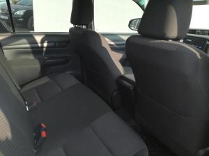 Toyota Hilux 2.4 GD-6 SR 4X4D/C - Image 3