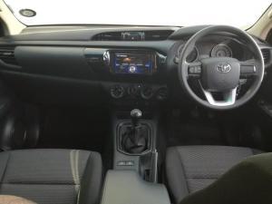 Toyota Hilux 2.4 GD-6 SR 4X4D/C - Image 6