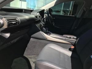Lexus IS 200T EX/300 EX - Image 8