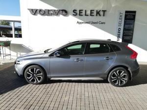 Volvo V40 CC D4 Inscription Geartronic - Image 2