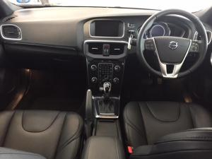 Volvo V40 T4 Momentum Geartronic - Image 6