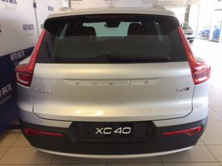 Volvo XC40 D4 Momentum AWD Geartronic