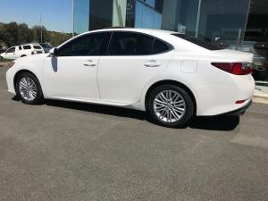 Lexus ES 250 - Image 18