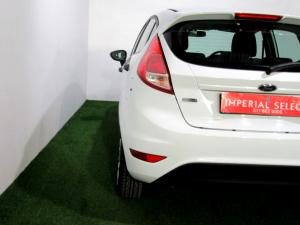 Ford Fiesta 1.0 Ecoboost Ambiente Powershift 5-Door - Image 20
