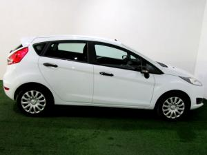 Ford Fiesta 1.0 Ecoboost Ambiente Powershift 5-Door - Image 8