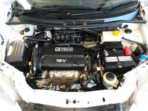 Chevrolet Aveo 1.6 LS hatch - Image 13