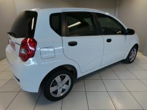 Chevrolet Aveo 1.6 LS hatch - Image 5