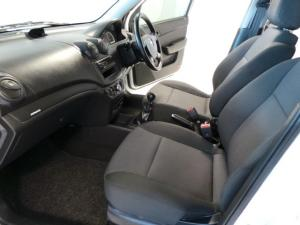 Chevrolet Aveo 1.6 LS hatch - Image 7