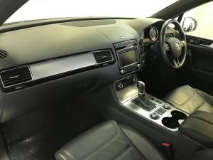 Volkswagen Touareg GP 3.0 V6 TDI Luxury TIP - Image 11