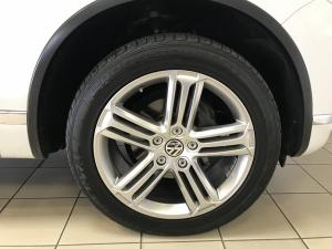 Volkswagen Touareg GP 3.0 V6 TDI Luxury TIP - Image 12