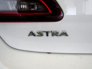 Opel Astra 1.4T Enjoy automatic - Image 13