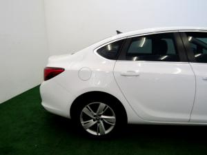 Opel Astra 1.4T Enjoy automatic - Image 29