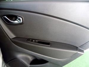 Renault Captur 900T Dynamique 5-Door - Image 20