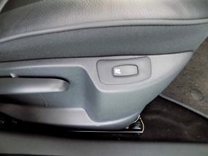Renault Captur 900T Dynamique 5-Door - Image 32