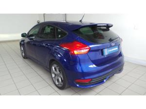 Ford Focus ST 3 - Image 3