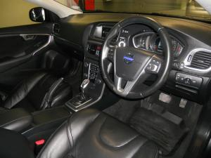 Volvo V40 D3 Elite - Image 4