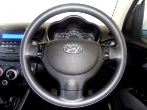 Hyundai i10 1.1 GLS/MOTION - Image 23