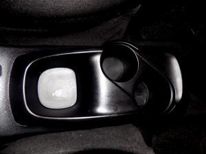 Hyundai i10 1.1 GLS/MOTION - Image 25