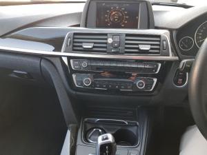 BMW 320i Luxury Line automatic - Image 12