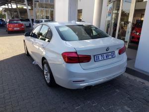 BMW 320i Luxury Line automatic - Image 4