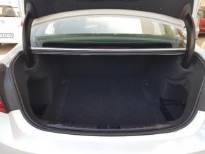 BMW 320i Luxury Line automatic - Image 6