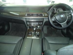BMW 7 Series 750i - Image 10