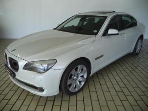 BMW 7 Series 750i - Image 1