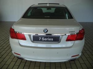 BMW 7 Series 750i - Image 4