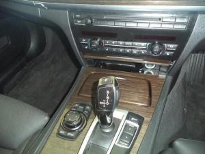 BMW 7 Series 750i - Image 8
