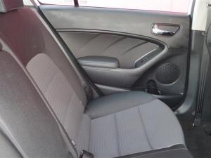 Kia Cerato 1.6 EX automatic 5-Door - Image 12