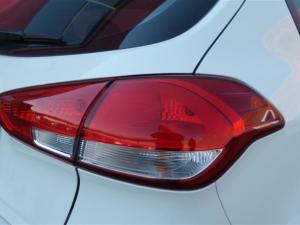 Kia Cerato 1.6 EX automatic 5-Door - Image 24